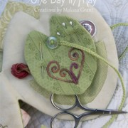 Waterlily Dreaming Needle Keep- pocket and pinkeep