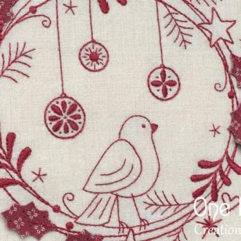 Redwork Christmas Wreath - closeup
