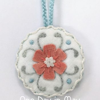 Petite Blooms - scissor fob closeup