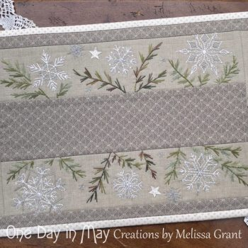 A Scattering of Snow ~ a festive table mat